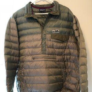 SOLD-Men's Patagonia Down Snap T 600 fill XL